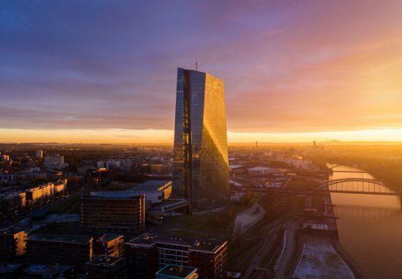 European central bank or Bitcoin?