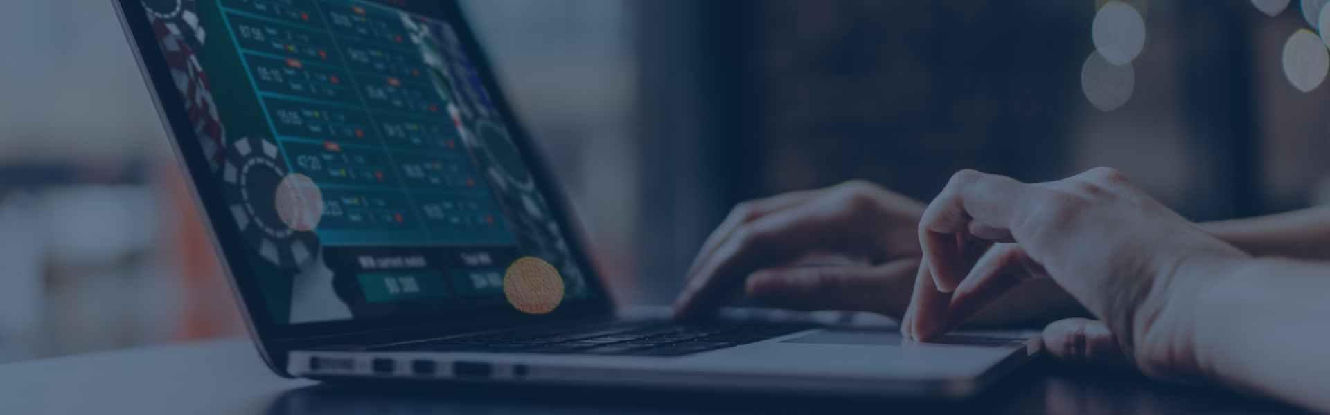 bitcoin_gambling_laptop